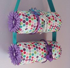 Double Hanging Fabric Headband Organizer Headband Holder> cover oatmeal cans with fabric and hotglue some ribbon and flowers... voila! @Heidi Haugen Haugen Haugen Van Nurden