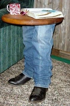 I want to make this using a pair of Kevin's old boots!-I want to make this using a pair of Kevin's old boots! I want to make this using a pair of Kevin's old boots! Handmade Wood Furniture, Funky Furniture, Rustic Furniture, Cowboy Home Decor, Western Decor, Western Office, Cement Crafts, Wood Crafts, Diy Wood