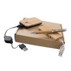 Set informatique Green - A partir de 19.95 € / Tarifs sur devis (contact@objetpubenligne.com) -  Réf. OGECO1009    Ce set tout en bambou contribue à la préservation de la planète car le bambou pousse rapidement, et sa récolte nécessite moins d'énergie que le bois traditionnel. Il comprend une souris optique, un hub USB 4 ports 2.0 et un stylo à bille.