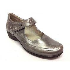 e4776f1e Zapato merceditas de la marca Treintas.Todo fabricado en piel de calidad,  suave y