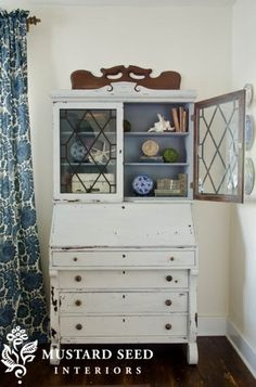 """say hello to """"grain sack"""" - Miss Mustard Seed Paint Furniture, Furniture Projects, Furniture Makeover, Furniture Refinishing, Hutch Makeover, House Projects, Office Furniture, Bedroom Furniture, Miss Mustard Seeds"""