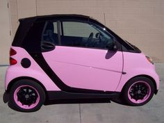 Love the Pink Smart Car!This would work great fo Me! Audi Suv 2017, My Dream Car, Dream Cars, Car Tags, Car Camper, Chevrolet Cruze, Weird Cars, Sweet Cars, Cute Cars