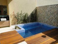 Risultati immagini per piscina em casa pequena Small Swimming Pools, Small Backyard Pools, Small Pools, Swimming Pool Designs, Outdoor Pool, Outdoor Decor, Kleiner Pool Design, Moderne Pools, Small Pool Design
