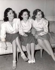"""Judy Garland with her sisters. Their trio was  """" The Gump Sisters""""."""