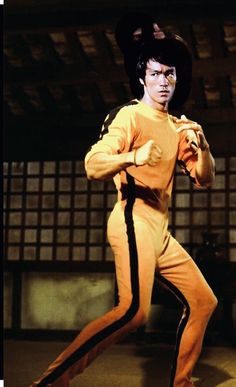Bruce Lee Games, Game Of Death, Bruce Lee Photos, Martial Artist, Kung Fu, Karate, Action, Infancy, Dragons