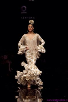 SIMOF 2014 Spanish Fashion, Spanish Style, Fashion Moda, Fashion Show, Flamenco Dancers, Mermaid Dresses, Cute Dresses, Fashion Beauty, Glamour