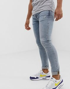 Buy River Island super skinny jeans in light wash blue at ASOS. With free delivery and return options (Ts&Cs apply), online shopping has never been so easy. Get the latest trends with ASOS now. Tight Jeans Men, Men's Jeans, Blue Jeans, Fashion Online, Men's Fashion, Nike Outfits, Man Style, Super Skinny Jeans, River Island