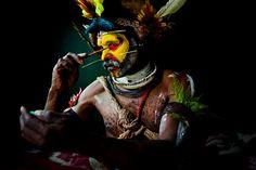 Huli people, New Guinea | photo by Brent Stirton