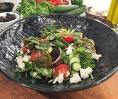 Ντοματοσαλάτα καλοκαιρινή Food Categories, Cobb Salad, Easy Meals, Easy Recipes, Salads, Recipies, Beef, Cooking, Ethnic Recipes