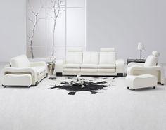 CORES NA DECORAÇÃO Branco A decoração branca, além de minimalista, traz harmonia para qualquer ambiente da casa. Veja dicas para deixar o espaço mais belo com a utilização desta cor.
