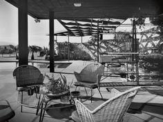 Ball-Arnaz Residence - Thunderbird Country Club, Rancho Mirage, CA - Paul Revere Williams, Architect. Photo by Julius Shulman