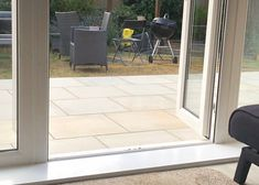 Sawn paving will provide you with the elegant chic looks that add an air of sophistication to your home and garden. Sawn Pure Mint natural sandstone paving provides predominant tones of off-white cream with the occasional veining. Canterbury House, Sandstone Paving, Small Backyard Landscaping, Elegant Chic, Balcony Garden, Infinite, Garden Design, Garden Ideas, Deck