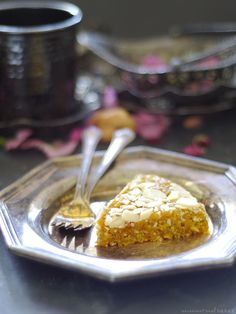 Raw Almond Apricot Slice (Free from: gluten & grains, dairy, oils, refined sugar)