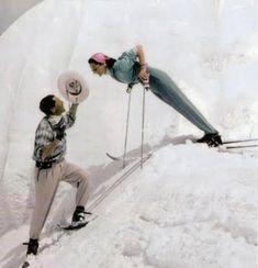 Ski Vintage, Look Vintage, Vintage Colors, Costume Sports, Jacqueline De Ribes, Apres Ski Party, Skier, Ski Socks, Ski Posters