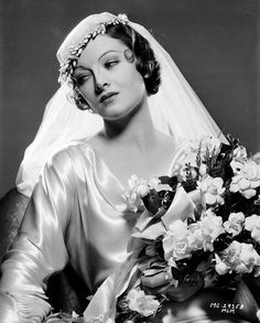myrna loy 27 Glamorous Photos That Show Hollywood Beauties in Wedding Dresses in the ~ vintage everyday Myrna Loy, Vintage Hollywood, Wedding Tips, Wedding Gowns, Bridal Tips, Bridal Gown, Trendy Wedding, Perfect Wedding, Wedding Ceremony