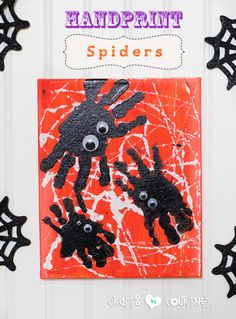 Halloween Craft: Spooky Spider Handprint Craft
