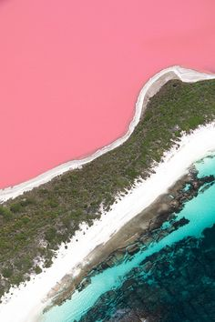 on my bucket list for sure! pink lake in australia by Travel Photography Travel Photography Tumblr, Photography Beach, Landscape Photography, Nature Photography, Pink Lake Australia, Australia Travel, Lake Hillier Australia, Queensland Australia, Places To Travel