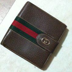 58c5d2660011 Gucci Accessories - Vintage Gucci Men s Wallet