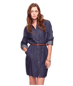 This every day, casual denim dress is perfect for errands, meetings and picking kids up at preschool. Get it for cheap t Forever21 for only $24.90