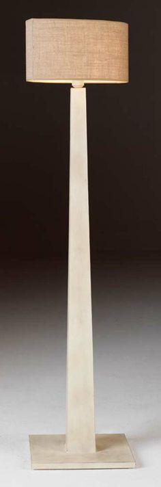 Lámpara de pie en forja Medea, se puede cambiar el color de la forja, así como la pantallas.