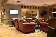 The Oasis Lounge, New York's JFK Airport    http://www.weekendblitz.com
