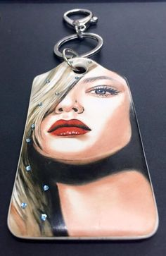 Handpainted by Mariela Villasmil 🇺🇸 🇻🇪 on 0306 - Artists best painted TAG by Bijoux de Passy Hand Painted, Pendant Necklace, Boutique, Gallery, Artist, Painting, Jewelry, China Painting, Bags