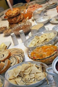 Food (Svyat Vechir or Velija or also known as Holy Supper- a Slovak and Carpatho-Russian tradition for Christmas Eve) Slovak Recipes, Czech Recipes, Ukrainian Recipes, Russian Recipes, Russian Dishes, Russian Foods, Ukrainian Christmas, Christmas Eve, Polish Recipes