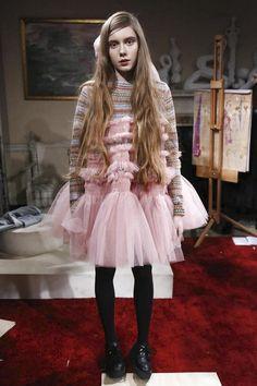 Molly Goddard Ready To Wear Fall Winter 2015 London - NOWFASHION