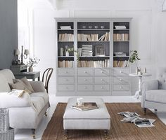 Allein schon wenige Möbel im Landhausstil bringen den nötigen Charme ins Wohnzimmer. #landhausstil #countrychic #landhausmöbel #hausde #dashaus Bookcase With Drawers, Country Style Furniture, Nate Berkus, Up Book, French Grey, Modular Design, Rustic Charm, Latina, The Hamptons