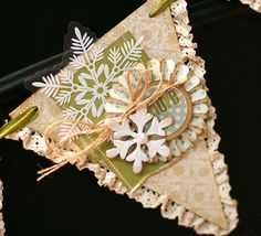 Day 7 - Vintage Christmas Banner at Lily Bee Design