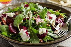 Ajoutez-y du fromage de chèvre et des noix et vous voilà avec une salade de betteraves exceptionnelle