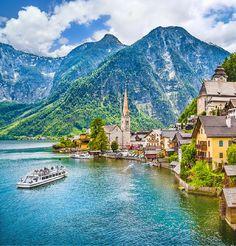 Hallstatt mountain village with Hallstaetter Lake in the Austrian Alps, region of Salzkammergut   Easy Planet Travel - World travel made simple
