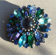 Kramer Demi Parure Brooch Earrings Blue Green by CobwebsVintage