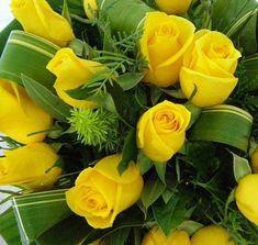 Qual é o significado das rosas amarelas. As rosas são das flores mais conhecidas que podemos encontrar, bonitas e com um toque de sensualidade tornam-se um presente ideal para qualquer ocasião especial. Mas como ocorre com todas as flores, d...