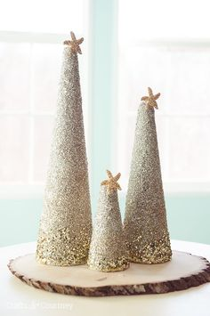 46 DIY Christmas Cone Trees ---------------------------------------------------------------By Posted on December tree has excellent needle reten Cardboard Christmas Tree, Christmas Trees For Kids, Cone Christmas Trees, Christmas Tree Crafts, Christmas Projects, Christmas Wood, Coastal Christmas Decor, Nautical Christmas, Christmas Centerpieces