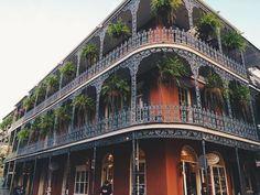 Nola #tbt.  ________________________________ #vsco #vscocam #photooftheday #instalike #picoftheday #instadaily #iphoneonly #instagood #welltravelled #iphone5s #igmasters #ig_masterpiece #Nola #neworleans #frenchquarter #hashtag by mandy_tamm
