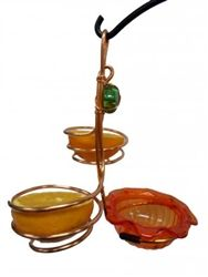wire fruit and jelly feeder... i think maybe i could make this