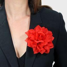 Ansteckblume Dahlie rot,  Blumenbrosche, Haarblume von Boutique für wundervolle Accessoires zum Liebhaben! auf DaWanda.com