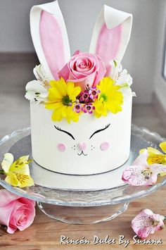 Spectacular Easter Cakes that will Make the Easter Bunny Proud Easter Cake Vegan, Easter Bunny Cake, Bunny Cakes, Bunny Birthday, 7th Birthday, Birthday Cakes, Birthday Ideas, Chocolate Malt Cake, Easter Chocolate