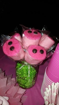 Peppa Pig marshmallow snouts Peppa Pig is often a British preschool super-hero Pig Birthday Cakes, Farm Birthday, Third Birthday, 4th Birthday Parties, Birthday Party Decorations, Peppa Pig Birthday Ideas, Peppa Pig Party Ideas, Pig Decorations, Peppa Pig Birthday Outfit