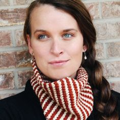Make this Simple Crochet Cowl with the Tunisian Stitch.