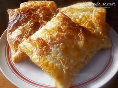 Traditional Romanian pastries - we love nature and we know that you enjoy eating only fresh and healthy food Cooking 101, Cooking Recipes, Cooking Stuff, Cheese Pastry, Good Food, Yummy Food, Healthy Food, Romanian Food, Romanian Recipes