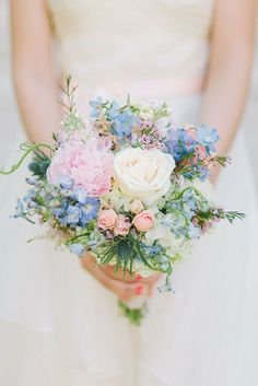 18 Fresh Spring Wedding Bouquets & Spring it's time to break all floral traditions and enjoy fresh flowers. Spring Wedding Bouquets, Spring Bouquet, Bride Bouquets, Flower Bouquet Wedding, Bridesmaid Bouquet, Floral Wedding, Wedding Colors, Blush Bouquet, Dream Wedding