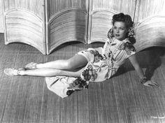 1940s Hawaiian tropical glamour