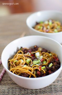 Slimming Eats Chilli Beef Noodles - dairy free, Slimming World and Weight Watchers friendly Slimming World Noodles, Slimming World Dinners, Slimming Eats, Slimming World Recipes, Chilli Recipes, Beef Recipes, Cooking Recipes, Healthy Foods To Eat, Healthy Recipes