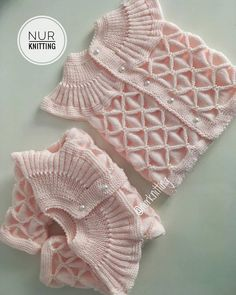 Good evening ~~ I'm looking for affordable cargo friends. Who knows … - Babykleidung Baby Sweaters, Winter Sweaters, Change Your Eye Color, Kids Knitting Patterns, Baby Barn, Knit Baby Dress, Baby Pullover, Scarf Hat, Crochet Lace