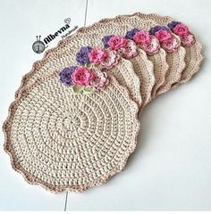 Supla making with floral ornaments By hatice Mandala Au Crochet, Crochet Circles, Crochet Motifs, Crochet Doilies, Crochet Flowers, Crochet Patterns, Crochet Kitchen, Crochet Home, Crochet Gifts