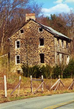 Abandoned Stone House near Brownsville, PA ~~ this is SO representative of construction of homes in Pennsy. Maybe one architect made himself a fortune! LOL