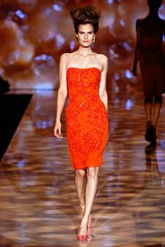 See the complete Badgley Mischka Spring 2012 Ready-to-Wear collection.
