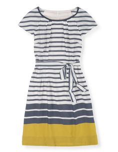 Love the style of this dress. Dear Stitch Fix Stylist: The more I see gray and yellow together, the more I dig the combination. This is a color combo I'd like to try. --xoxo, Kimberly Easy Day Dress Day Dresses at Boden Mode Outfits, Fashion Outfits, Womens Fashion, Dress Fashion, Ladies Fashion, Fashion 2018, Fashion News, Fashion Trends, Looks Style